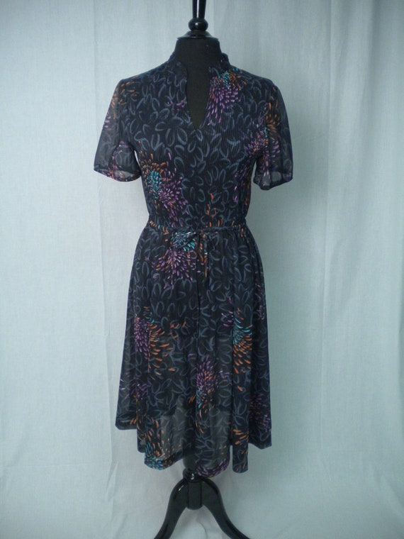 Vintage 70s Black Shirtdress in Floral/Fireworks Print