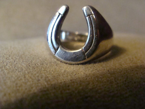Sterling Silver Horseshoe Ring Vintage Avon 925 Ring Size