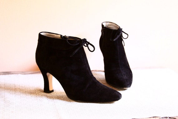 15% OFF with coupon code.1980s Witchy Black Suede Ankle Boots // Black Booties // Pixie Boots Size 5.5