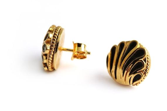Stud Earrings, flower Earrings for holiday gift, , Round studs, 18k gold plated silver, black enamel