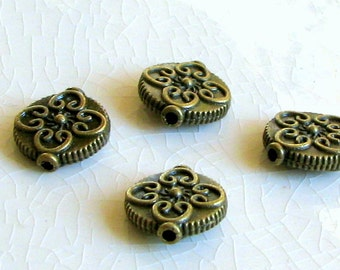 Beads Antiqued  Brass Ornate Disc Charm  15 mm (6)