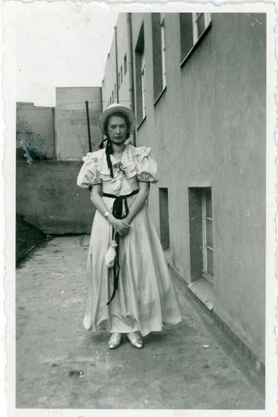 "S A L E - Vintage Photo ""Parade Woman"", Photography, Paper Ephemera, Snapshot, Old Photo, Collectibles - 0037"
