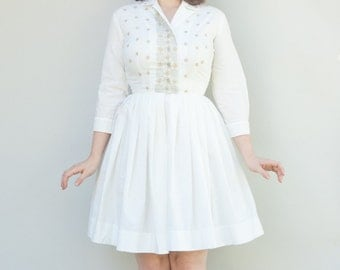 Vintage 1950's Dress - Milch Lait Latte - White Cotton Embroidered Fifties Housewife Dress