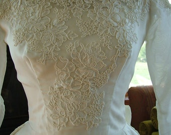 Wedding dress vintage 1960s classic ivory tafetta with remarkable alencon lace appliques