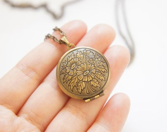 Vintage Style Antiqued Brass Romantic Round Flower Locket Necklace - LN034