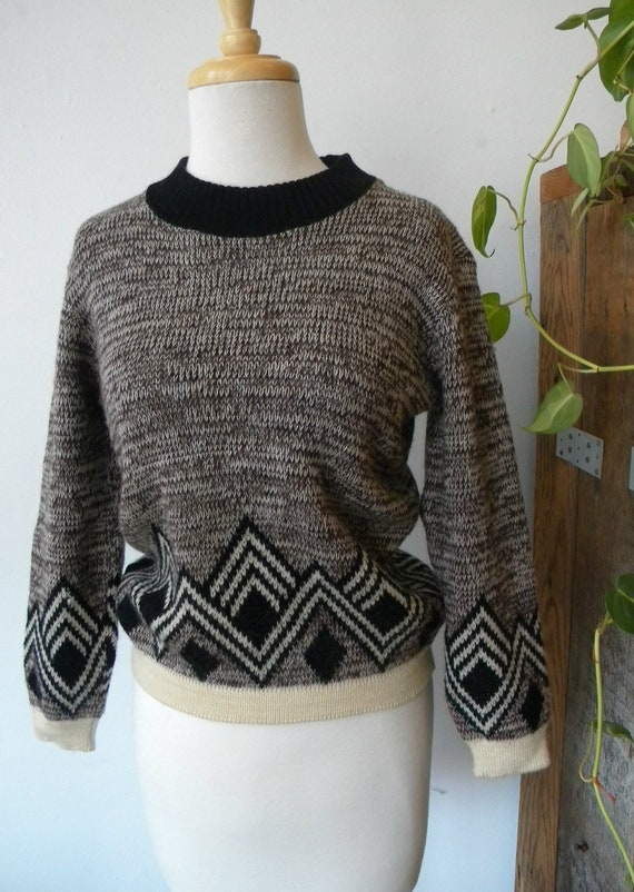 Vintage brown and black pullover sweater with geometric design