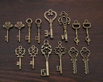 Keys to the Castle - 28 Skeleton Key Charms Antique Bronze Skeleton Key Pendants Vintage Style Skeleton Key Pendants