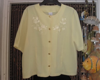 Embroidered Vanilla Short-Sleeves Tailored Blouse, Vintage - Large to XLarge