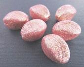 10 Vintage 15mm Sparkly Pink Glitter Twist Beads Bd465