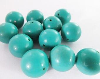 16 Vintage Lucite 14mm Turquoise Blue Round Lucite Beads Bd351