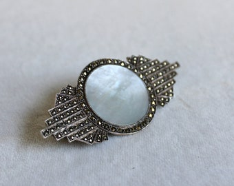 Vintage Art Deco Silver Marcasite and Mother of Pearl Pin / Brooch / Sterling Silver 925