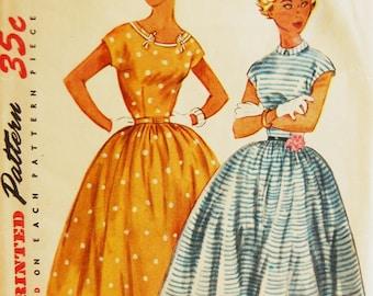 """Vintage 1950s Simplicity Misses' Juniors' Dress Pattern 4675 Size 14 (32"""" Bust)"""