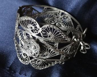 Wide Ornate Vintage Lace Spun Silver Deco Filigree Swirl &  Floral Bangle Statement Bracelet