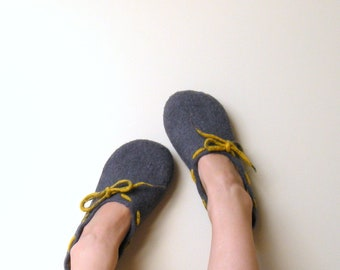 Mothers day gift - women slippers - Felted wool women slippers Grey yellow - wool clogs - made to order - warm gift - gift for her