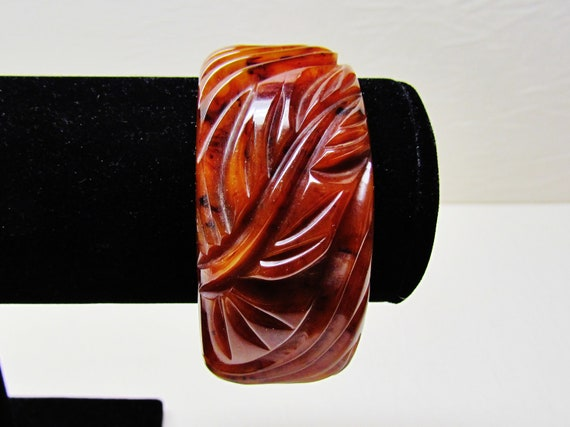 Vintage bakelite bracelet - heavily carved leaf design, marbled brown PRICE REDUCED