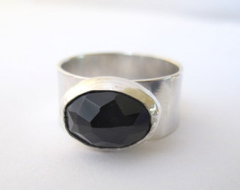 Onyx Ring/ Silver RIng with Black Onyx Stone/ Gemstone ring/ Oval Black Stone/Wide Band/Size 9.5