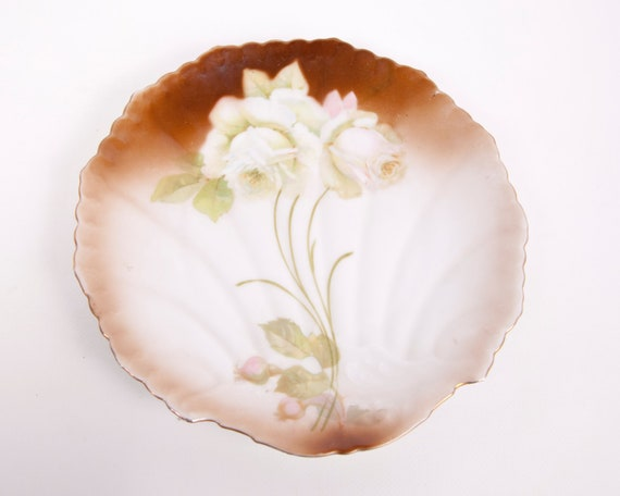 Vintage Shell Shape Porcelain Plate Hand Painted Plate White Pink Roses Gold Scalloped Edge