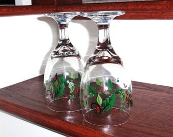 """2 CHRISTMAS HOLIDAY HOLLY by Libbey Rock Sharpe Clear Holly Berries No Trim 7"""" Iced Tea Goblet Glass Two Seasonal Heavy Excellent Condition"""