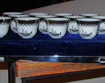 Vintage Sake Glasses Tea Cups White China Gold Gilt Fine China Blue Velvet Box Vintage Asian