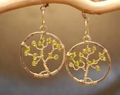 Hammered circles with a tree of peridot Bohemian 54