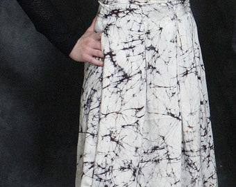 SALE High-Waist Pleated Midi Skirt with Pockets in Abstract Print Silk.  Black & White Skirt
