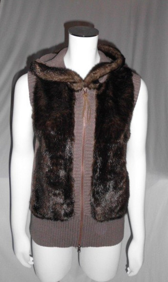 DKNY Sweater VEST Hoodie  Faux Mink and Cable Knit size US Large Canada Large