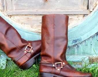 Harness Boots Mens Size 8.5 1970s Vintage Motorcycle Boots Brown Leather Gold Tone Square Rings Rivets Snub Nose Riding Boots Made in Spain