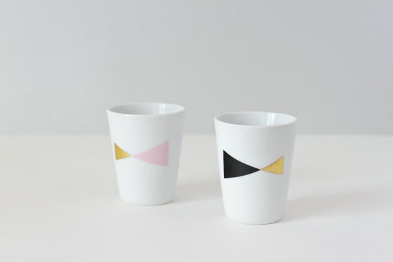 Small geometric triangle cups