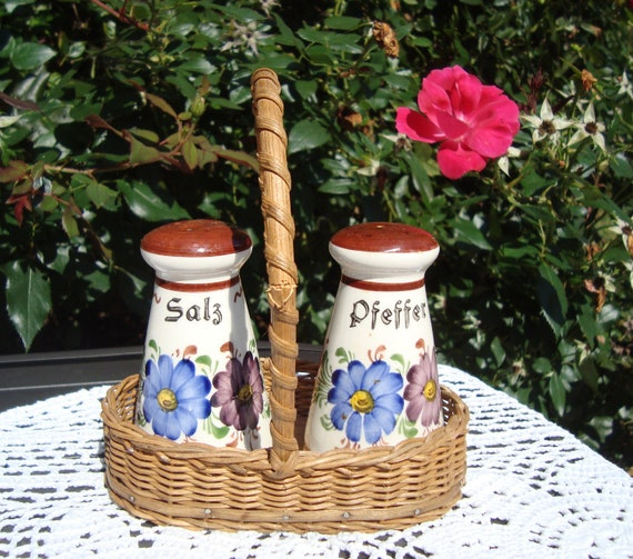 Vintage Salz und Pfeffer (Salt and Pepper) Shakers from West Germany