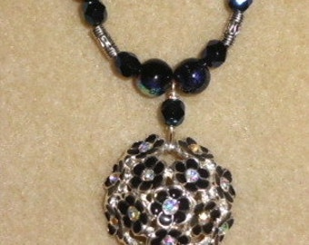 Shiny Metal Pendant Necklace