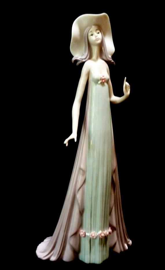 MOVING SALE Lladro The Debutante no. 1431