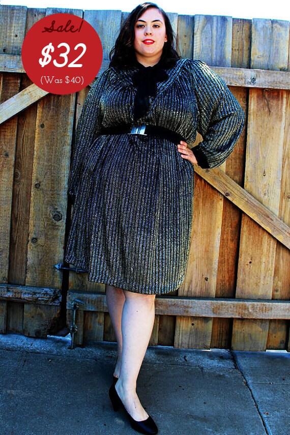 CLEARANCE - Plus Size - Vintage Silver/Gold Lamé Dress (Size 26)