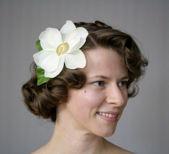 "Magnolia Fascinator, Off White Hair Flower, Light Ivory Hair Accessory, Southern Wedding, Vintage Gold Clip - ""You Call Everybody Darlin'"""