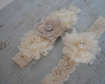 Rustic Bridal Garter, Shabby Chic Garter, Burlap Garter, Ivory Lace Garter