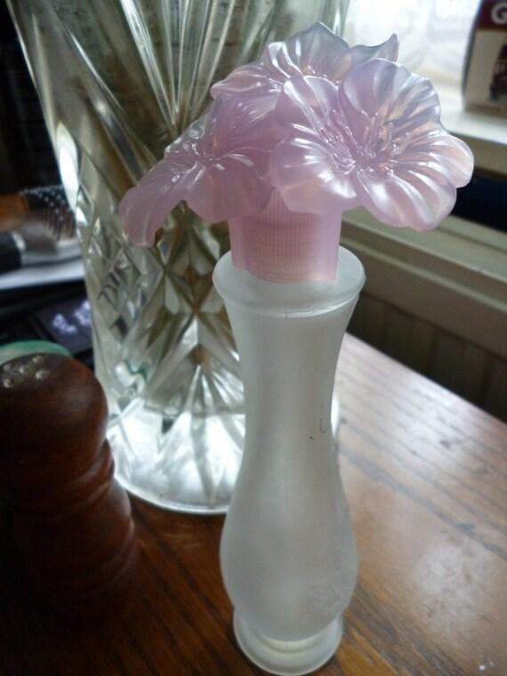 Avon Sweet Honesty Flowers in a vase perfume bottle 1970's