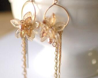 Gold Flowers: Earrings