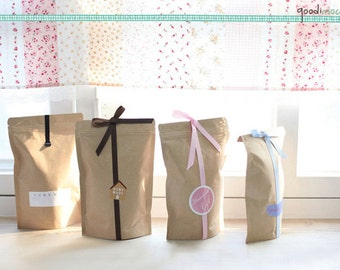 "Set of 10 - Stand-up Kraft Bags with Air-tight Zipper // Gift Bags, Cookie Bags, Zip Bags, Favor Bags, Bakery Bags // 5.8"" by 9"""