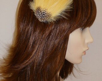 Primrose Pale Pastel Yellow Feather Fascinator HAIR CLIP Bridesmaids Hair Accessory Handmade Wedding 'Gwen'
