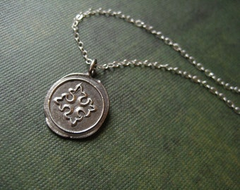 Gothic clove cross medallion silver necklace