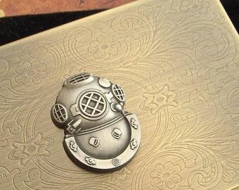 Steampunk Diving Helmet Business Card Case Vintage Inspired Antiqued Gold Bronze Brass Metal Case Gothic Victorian Florentine Scroll Pattern