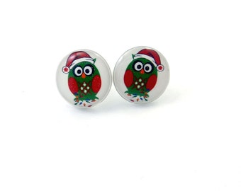 Christmas Owl Earrings.  Resin Post Earrings.  Red and Green Christmas Owl Jewelry.