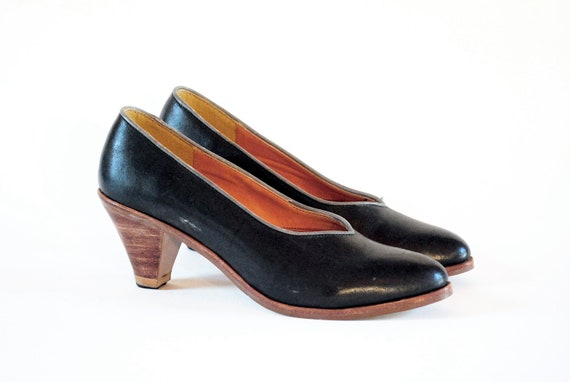 LATINAS Charcoal Grey Leather Architectural Chunk Heel Pumps W Stone Grey Piping 7, 7.5. Made In Brazil.
