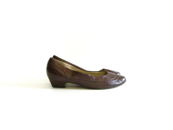 SALE Vintage Hush Puppies Brown Faux Leather Low Heel Pumps - size 6.5N