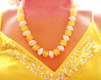Sunshine on My Shoulders Makes Me Happy - Retro Sixties Sunny Yellow Necklace with Geometric Shapes