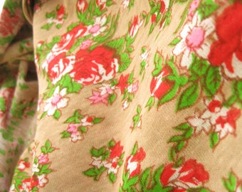Red Rose Vintage Floral Fabric Yardage Fabric Destash