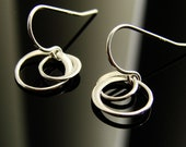 Entwined Circles Earrings in Sterling Silver - Small, circles, unique earrings, eternal, bridesmaid gift, simple, everyday, interlocking