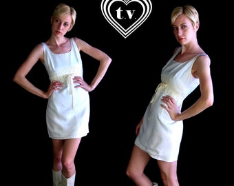vtg 60s white CROCHET LACE Mini DRESS empire mod xs/s open back dolly boho cream velvet