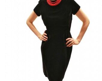 """1960s Black Velvet Pin Up Dress // 60s Bombshell Dress 27"""" Waist"""