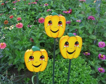 Yellow Bell Pepper - Wooden Garden Personality Plant Marker -Gift for the gardener