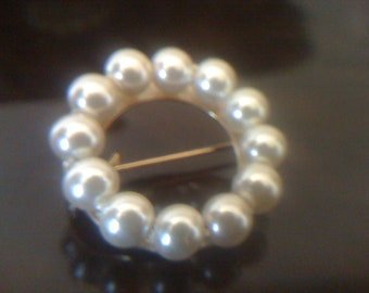 2Days Sale Circle Faux Cultured Pearl Brooch/ Pin